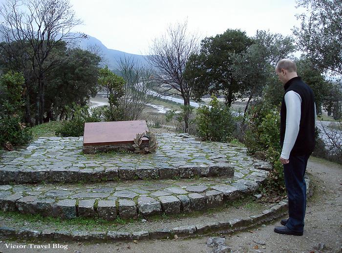 The 300 spartans grave