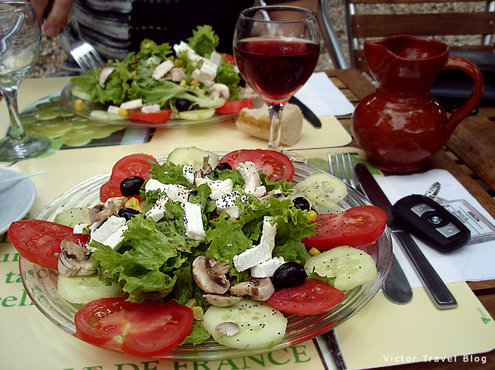 Salad with goat cheese and mushrooms. Languedoc, France.