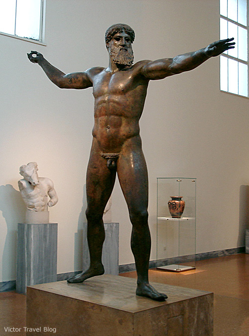 Bronze statue of Zeus or Poseidon in Athens Archaeological Museum