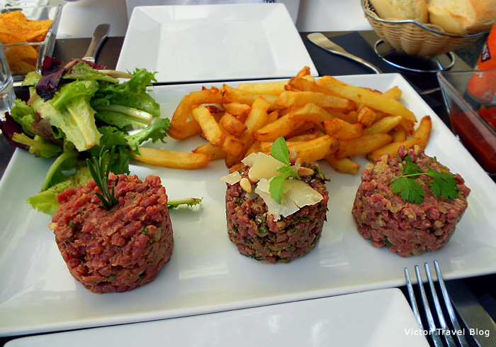 The tasting set of tartares in the restaurant Tartar Club. Gordes, Provence, France.