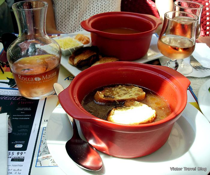 Onion soup. Provence cuisine.