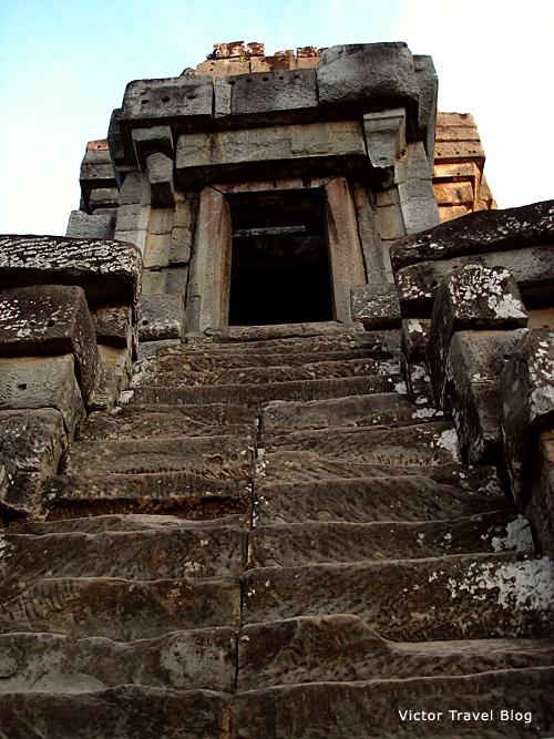 Ta Keo Temple. Stair.