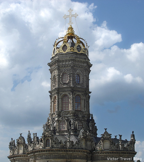 The crown of Baroque Church of the Sign of Our Lady, Dubrovitsy, Russia.