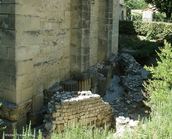 Notre Dame de Nazareth. Vaison-la-Romaine, Provence, France.