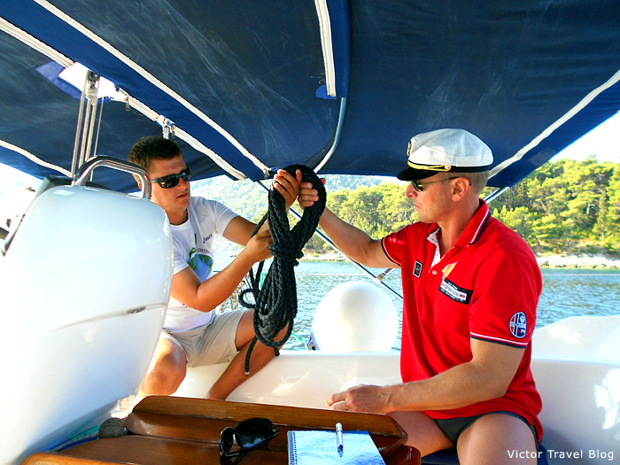 How to tie sea knots during the sailing in Croatia.