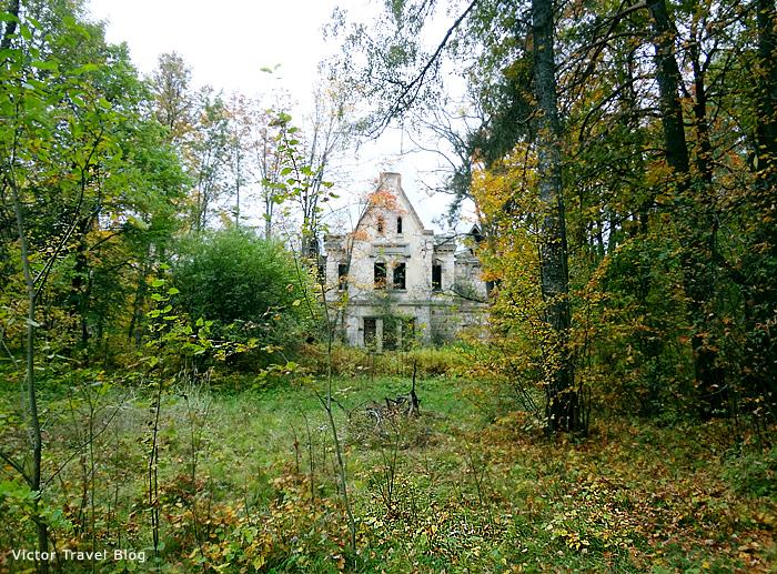 The Russian castle Muromtsevo.