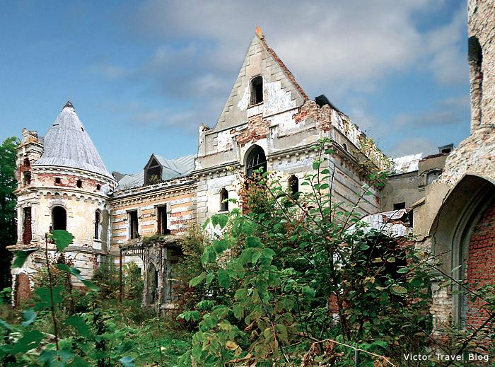 Russian Castle Muromtsevo