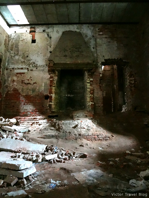 The abandoned Russian castle Muromtsevo.