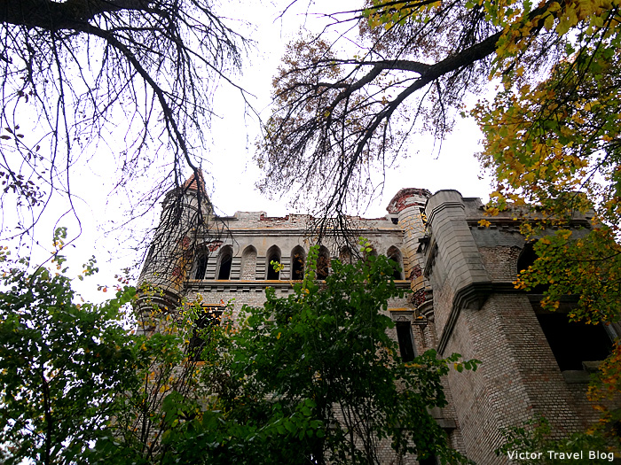 The Russian castle of Vladimir Khrapivotsky. Muromtsevo.
