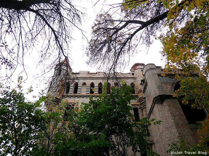 The Russian castle of Vladimir Khrapivotsky. Muromtsevo.