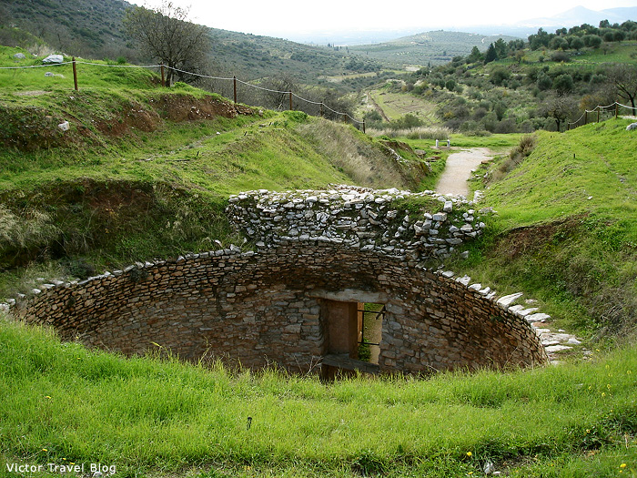 Circular tomb of Mycenae.