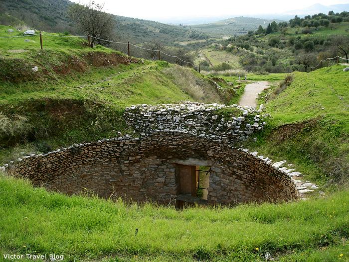 Circular tomb of Mycenae.