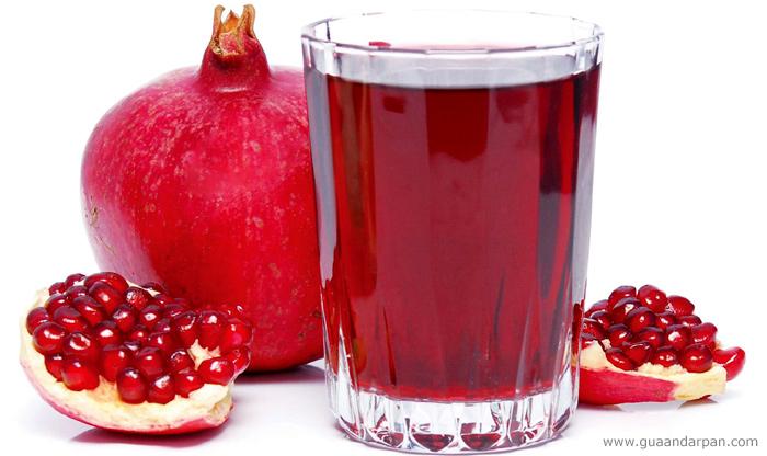Pomegranate juice. Istanbul, Turkey.