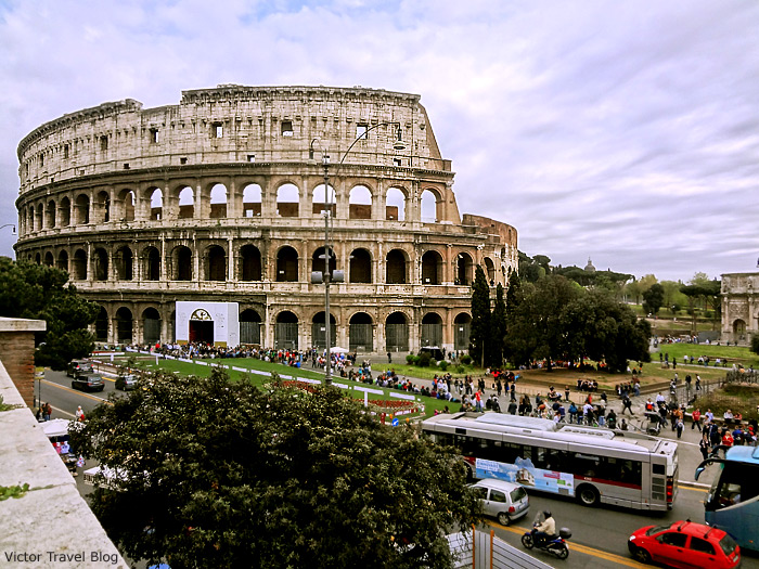 The Colosseum, Roma, Italy.