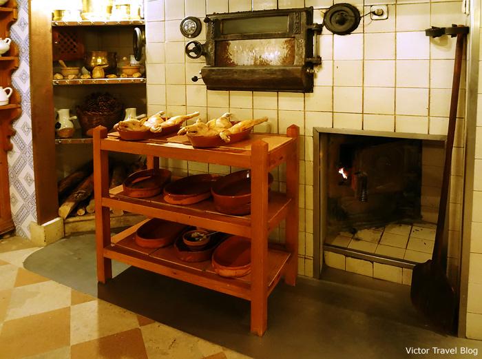 Roast Suckling Pigs in Casa DUQUE restaurant. Segovia, Spain.