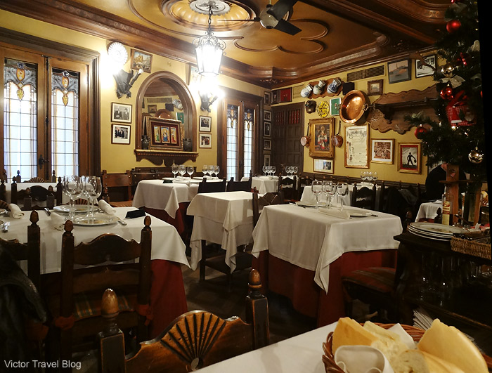 Interior of Casa DUQUE restaurant. Segovia, Spain.