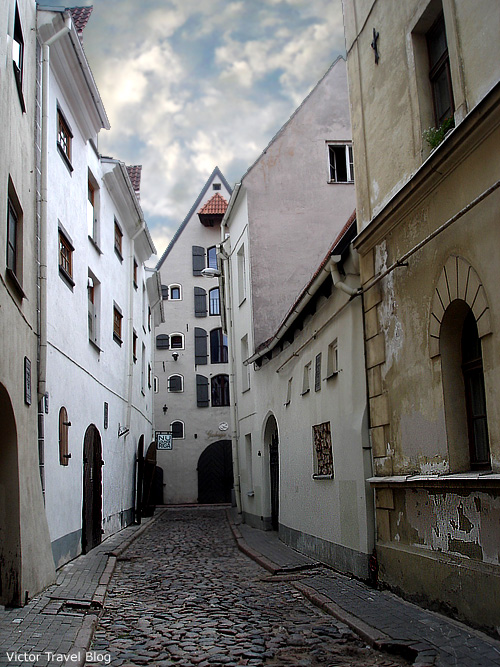 A street of the Old Riga, the capital of Latvia.