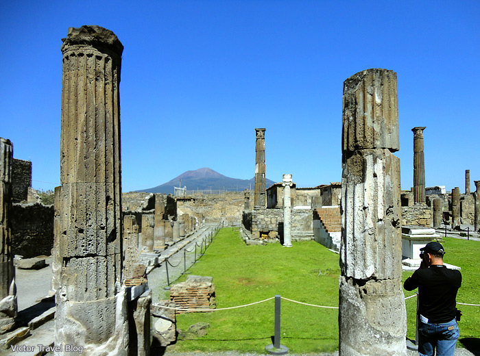The Temple of Apollo. Pompeii, Italy.