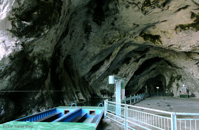 The enter to the Grotte dell Angelo (Caves of the Angel), a cave in Italy.