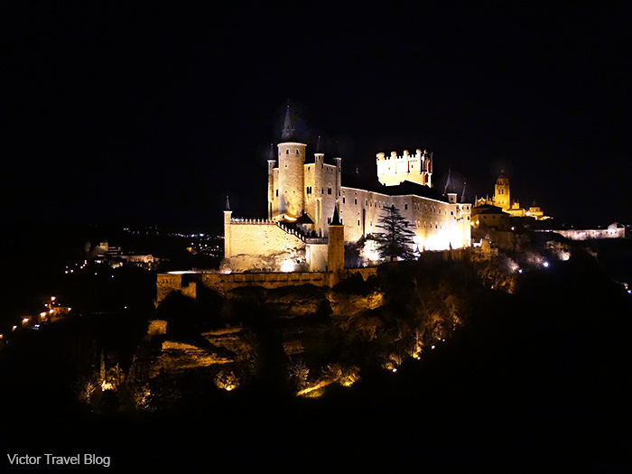 Alcazar of Spanish Segovia at night.