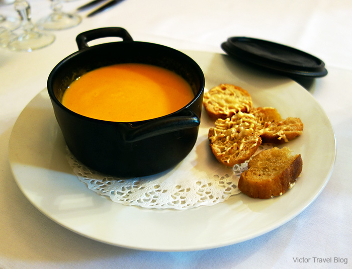 Carrot cream-soup. France.