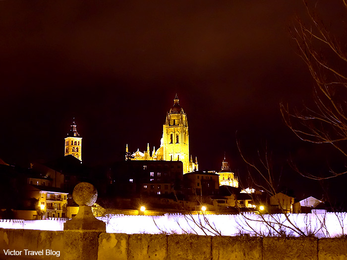 The Segovia Cathedral at night.