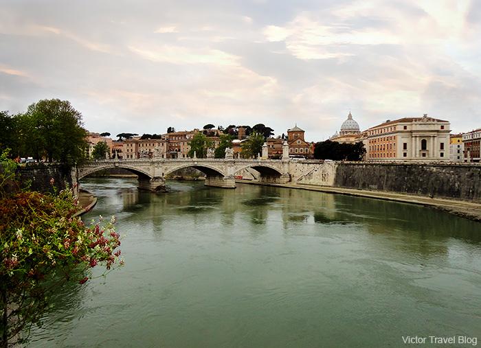 Bridge over the Tiber. Rome, Italy.