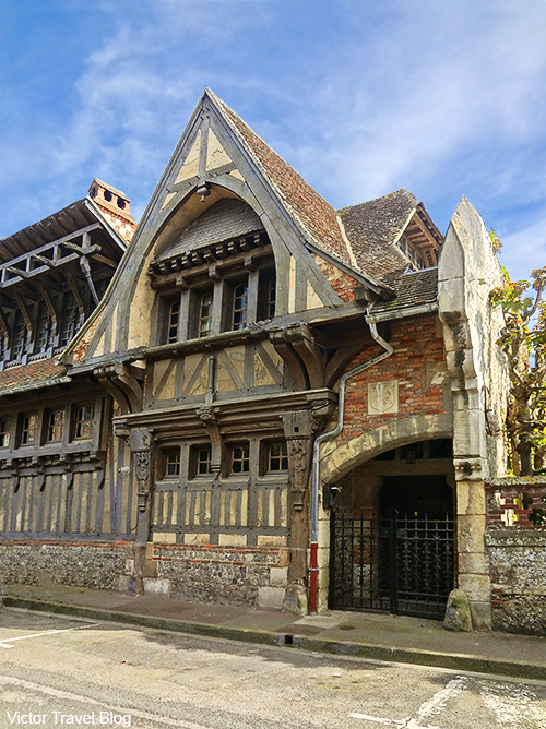 Old house in Etretat. Normandie, France.