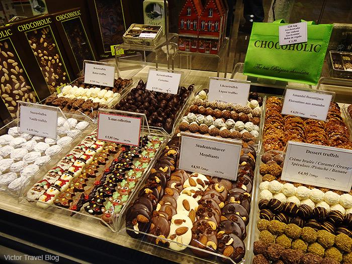 The shop window of Chocoholic. Brugge, Belgium.