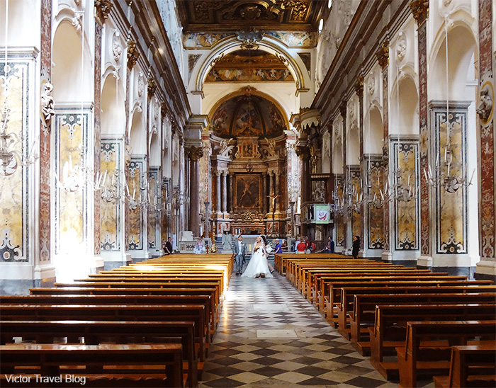 Newly-married in the Amalfi Cathedral. Amalfi, Italy.