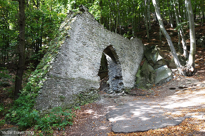 The first gate of Bezdez Castle. Bohemia, Czechia.