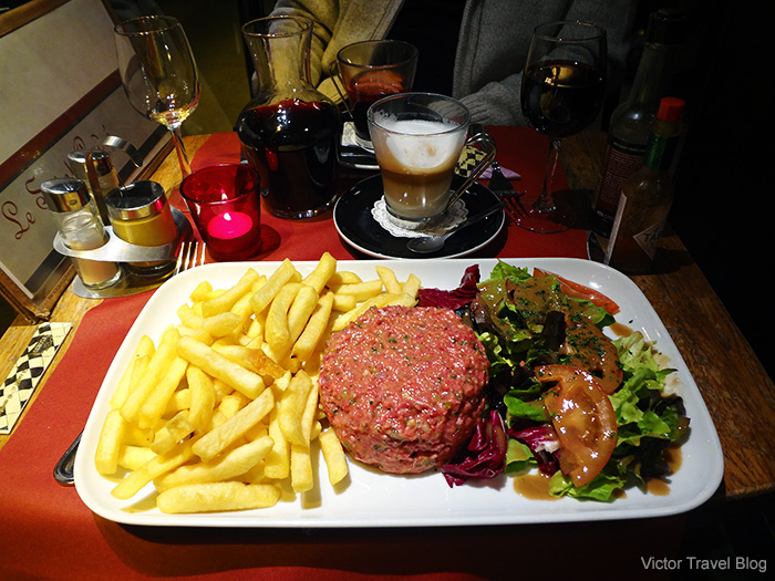 Beef tartare in the brasserie Le Saint Andre. Paris, France.