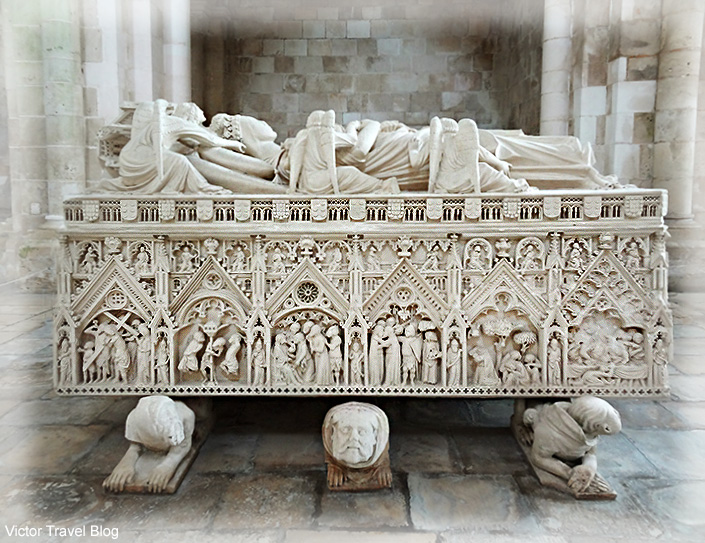 Tomb of Ines de Castro, beloved woman of King Pedro. Abbey of Santa Maria, Alcobaca, Portugal.