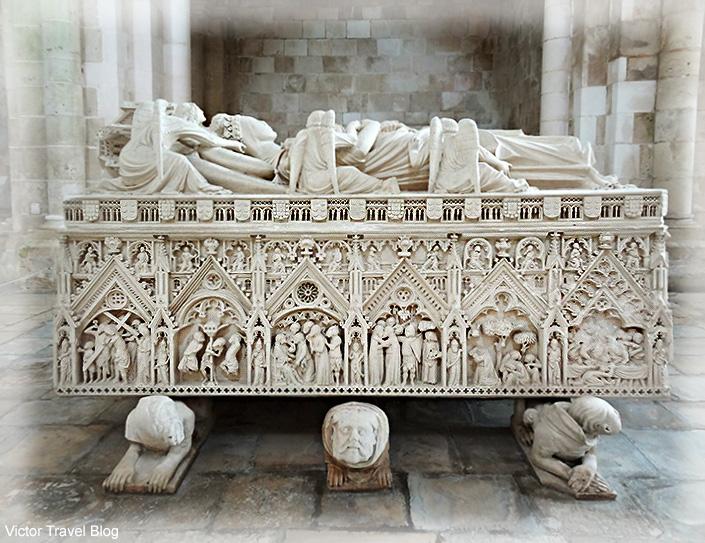 Tomb of Ines de Castro, beloved woman of King Pedro. Abbey of Santa Maria, Alcobaca, Portugal.