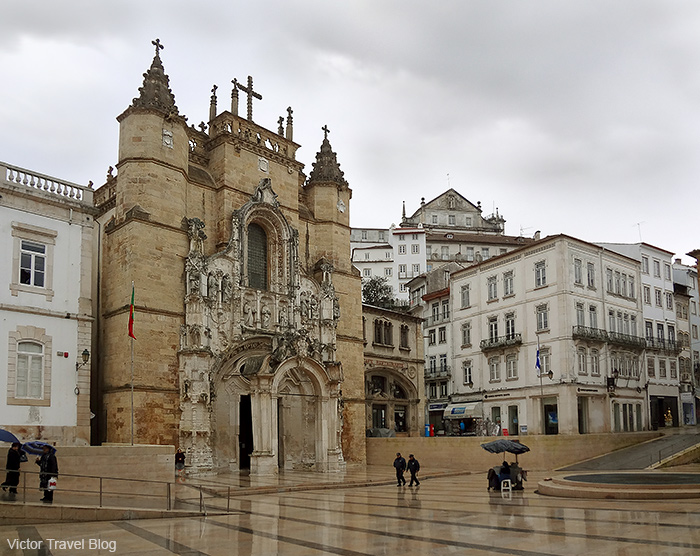 Dead Ines de Castro was crowned here, in the Church of Santa Cruz (Holy Cross) in Coimbra. Portugal.