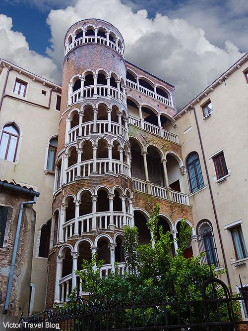 The Palazzo Contarini del Bovolo (also called Palazzo Contarini Minelli dal Bovolo) by architect Giovanni Candi. Venice, Italy.