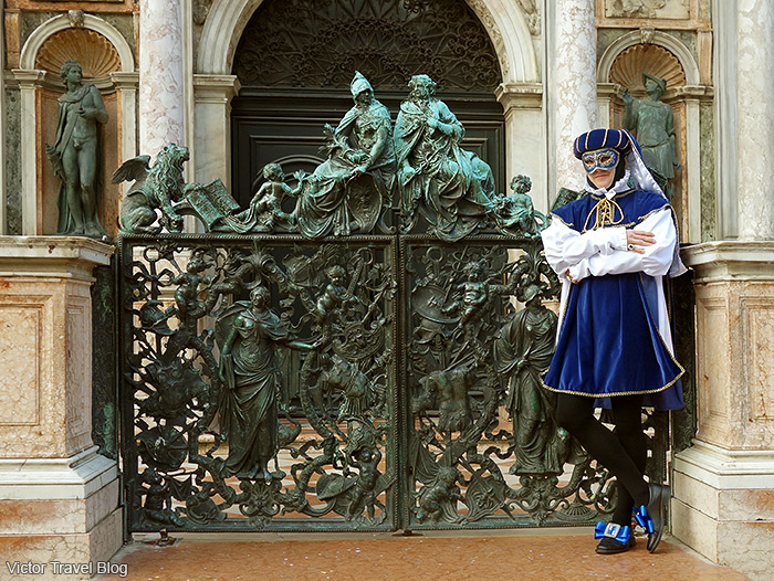 Masquerade outfit of Victor. Venice Carnival. Italy.