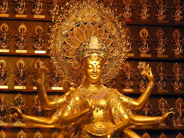 The Golden Jade Kwan-yin Statue. Nanshan Buddhism Culture Park. Hainan Island, China.