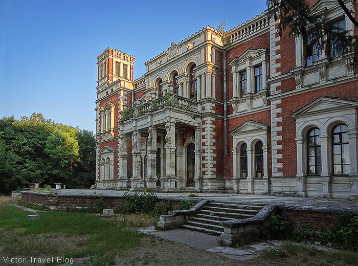 The abandoned home of Mikhail Izmailov. Architect Bazhenov. Bykovo, Russia.