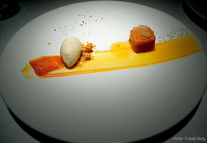 Dessert. Michelin star restaurant Eskis in Lyon, France.