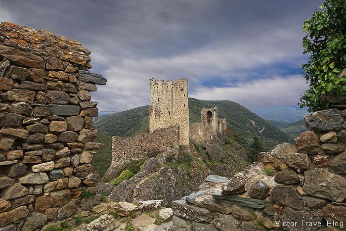 Quertinheux. Chateaux de Lastours. Pays Cathare, Languedoc, France.