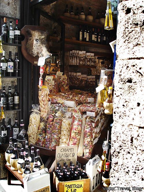 Gifts of Tuscany. Summer. San Gimignano. Italy.