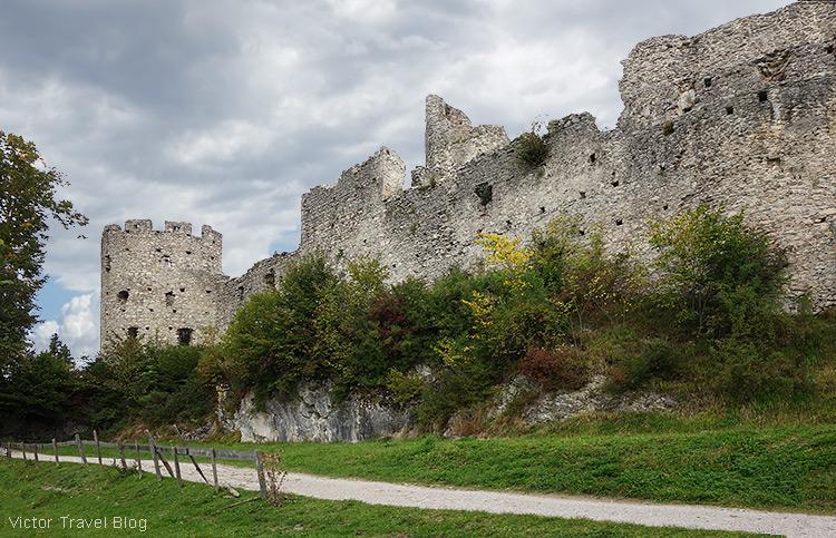 Castle ruins of Hohenfreyberg, Germany.