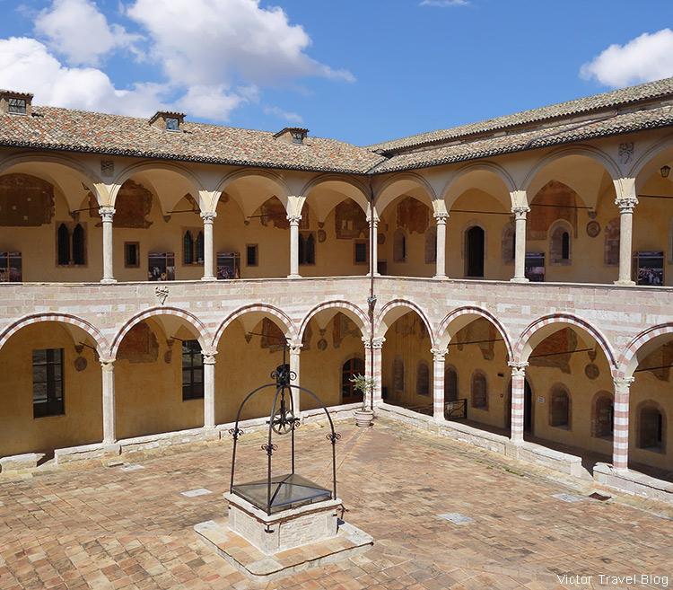 The inner yard of the Basilica di San Francesco da Assisi. Assisi, Perugia, Italy.