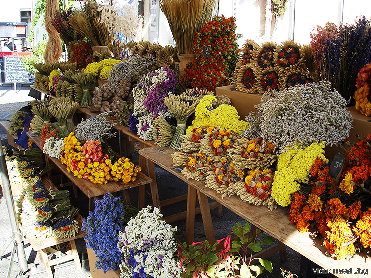 A farmer market, Gordes, Provence, France.