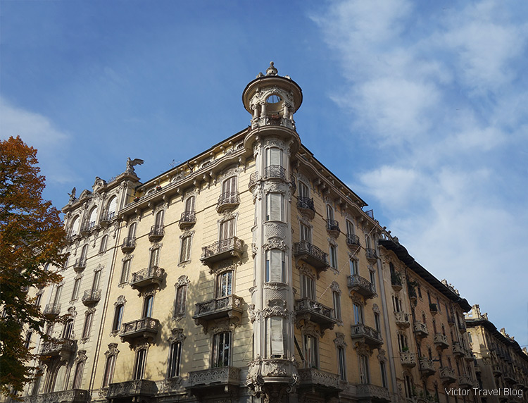 The corner of Via Pietro Palmieri and Via Duchessa Jolanda, Turin, Piedmont, Italy.