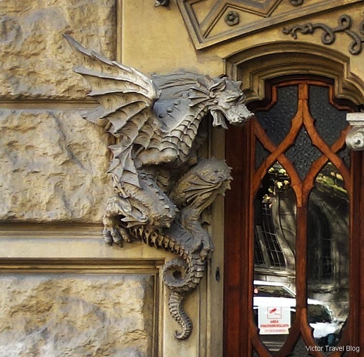 La Casa dei Draghi di Torino (House of Dragons), Corso Francia, 23, Turin, Italy.